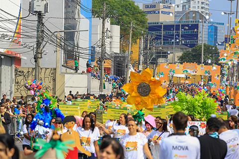Desfile Do Dia Da Independência Exalta Valores Humanos Na Avenida